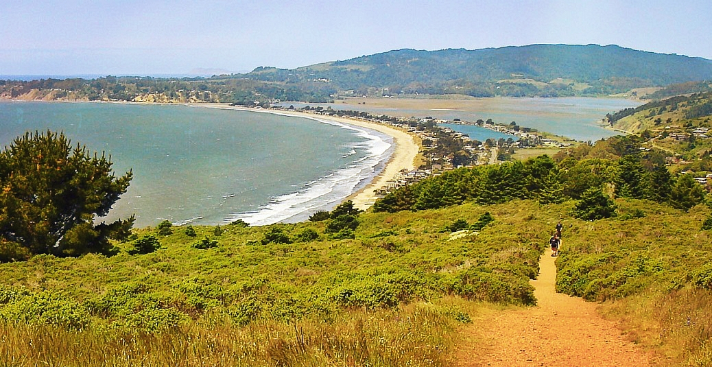 Stinson_Beach_from_Dipsea_Trail_in_Mount_Tamalpais_State_Park